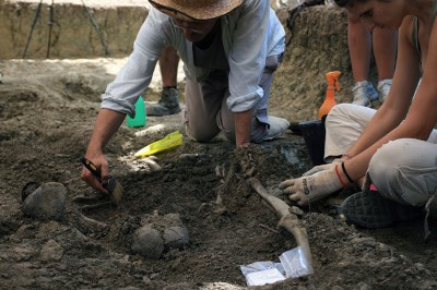 Trabajos de exhumación