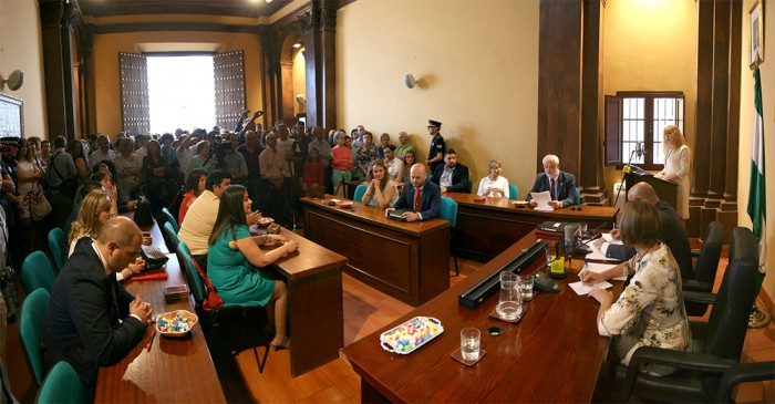 Aspecto del pleno durante el discurso de Pepi Morales
